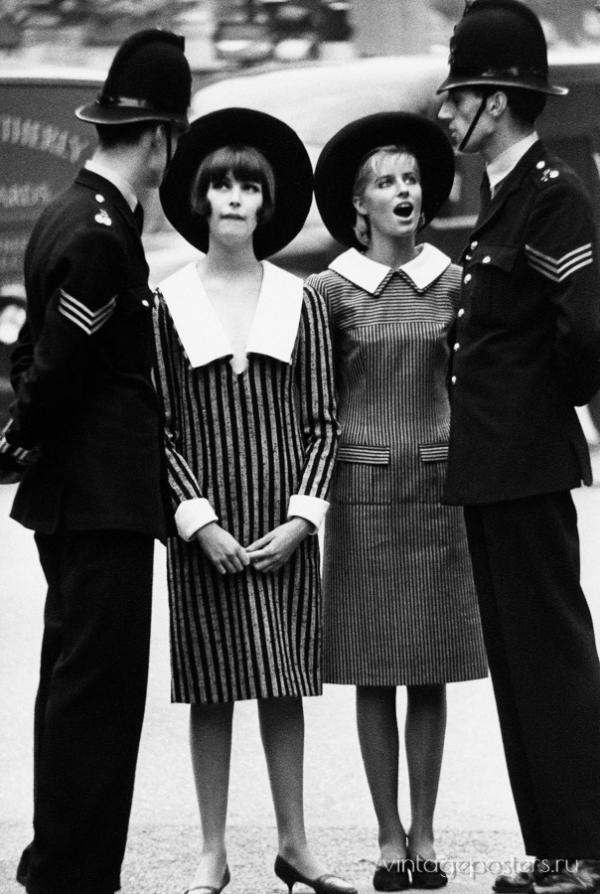 """Купить для интерьера на стену Постер """"Лондонская полиция и модели"""" Великобритания 1963"""
