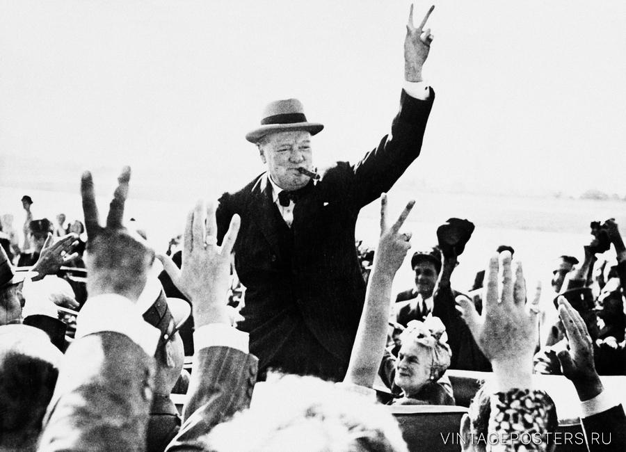"""Купить для интерьера на стену Постер """"Сэр Уинстон Черчилль показывает знак победы"""" Великобритания 1943"""