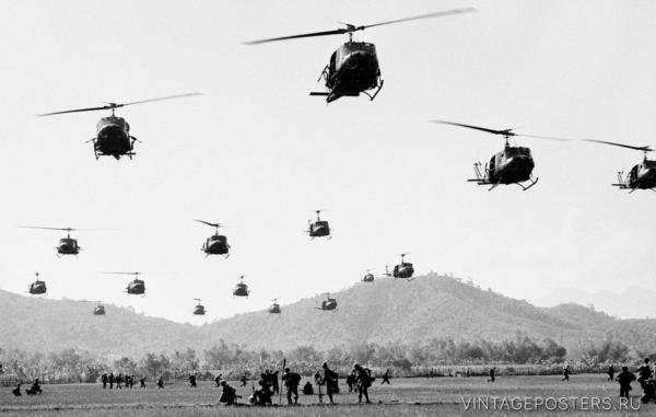 """Купить для интерьера на стену Постер """"Вертолеты армии США идут на посадку"""" Вьетнам 1960"""