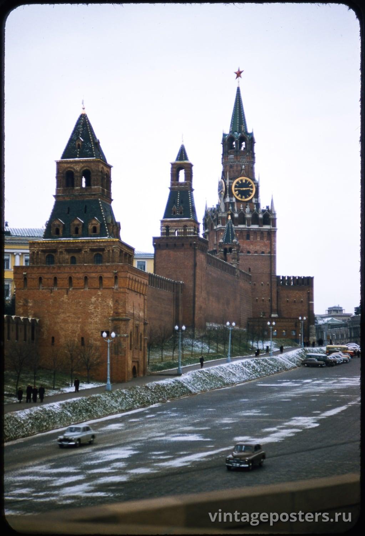 Фото старой Москвы 1950 годов: Вид на Кремль с Храма Василия Блаженного. 1956г