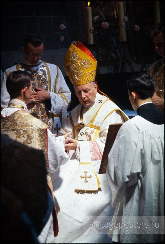 Служба в Костёле Святого Иоанна Крестителя. Варшава, Польша. 1956г.