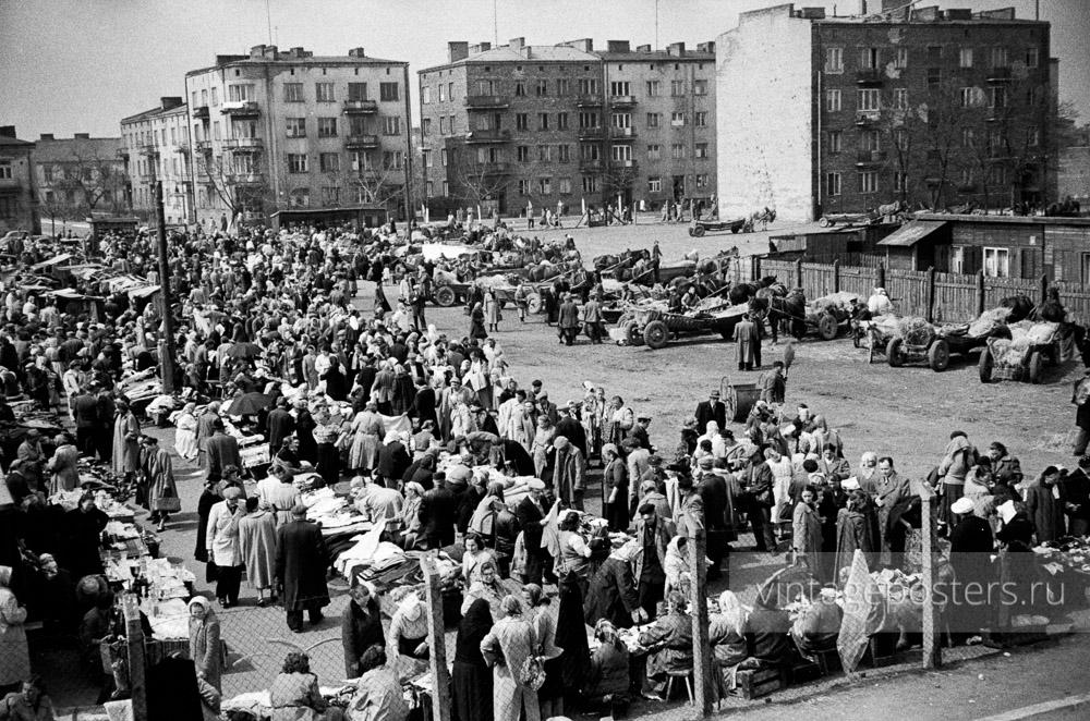 Вещевой рынок на окраине. Варшава, Польша. 1956г. Фото №48