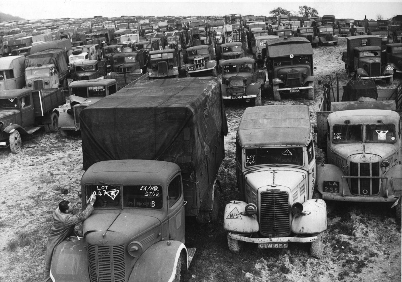 Автомобильный аукцион, Великобритания, 1946 год