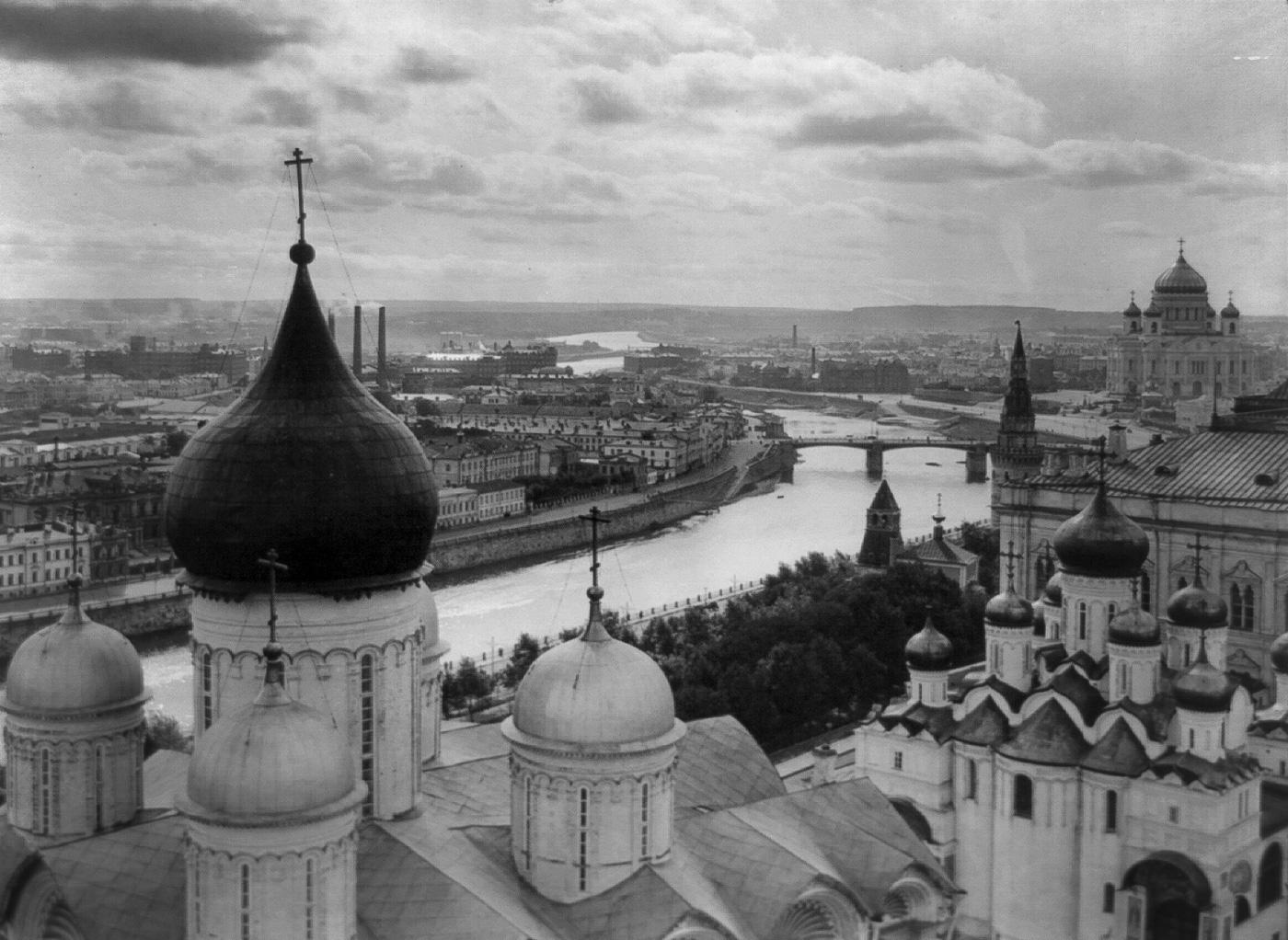 Вид с Колокольни Ивана Великого, Москва, 1918 год