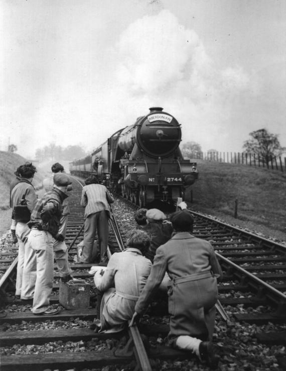 "Съемки фильма ""Ночная почта"", Великобритания, 1934 год"