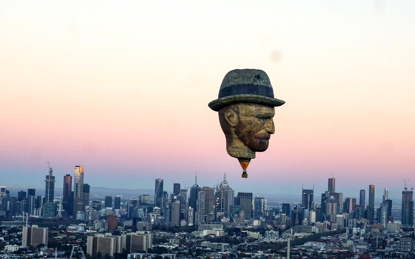 Воздушный шар в форме головы Ван Гога, Австралия